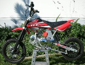 KC Powersports 125cc Dirtbike