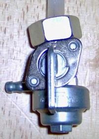 Generator fuel valve